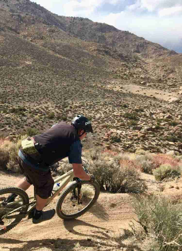 Check out the best mountain bike helmets and learn what key features to look for when choosing a noggin-protecting helmet for the trail.